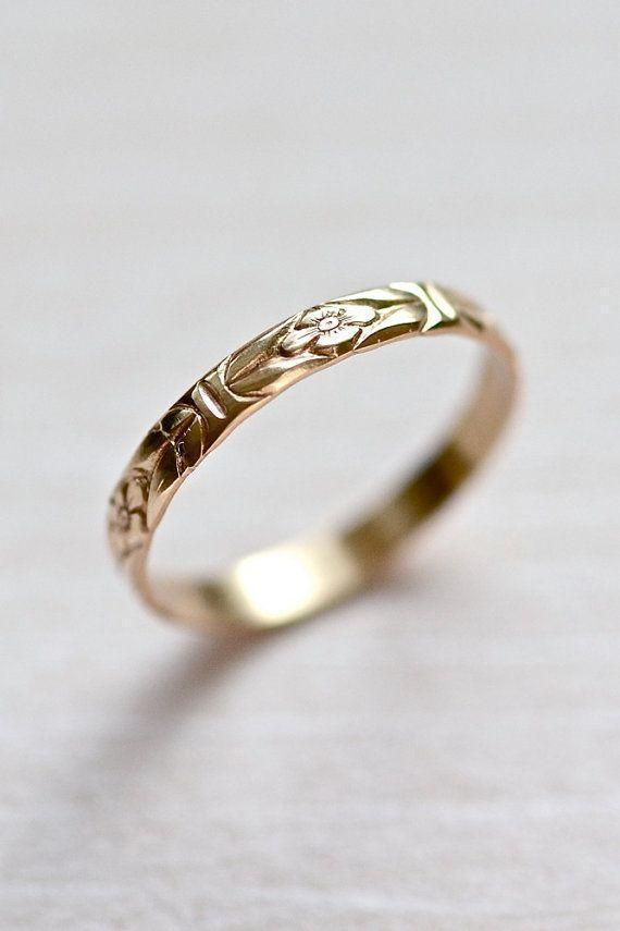 14kt Gold Forget-Me-Not Floral Wedding Stacking Ring !!