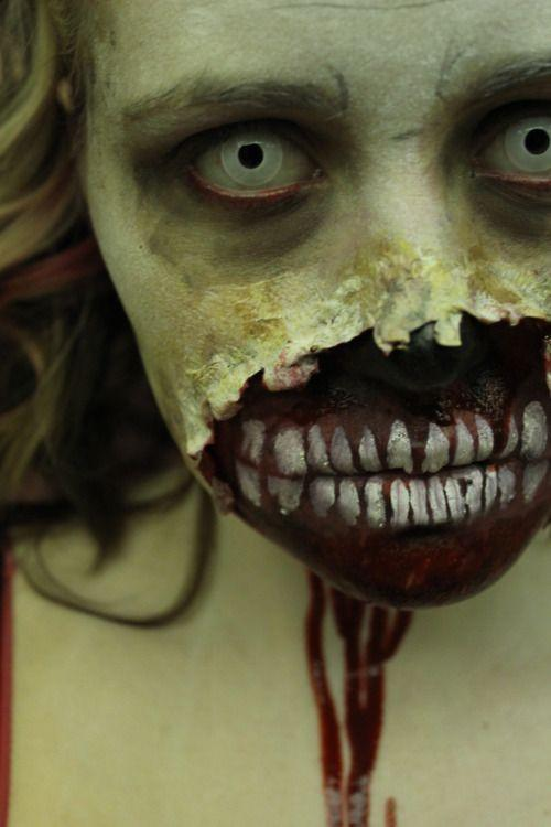 Oh my god... this is the most amazing zombie makeup I've ever seen. N