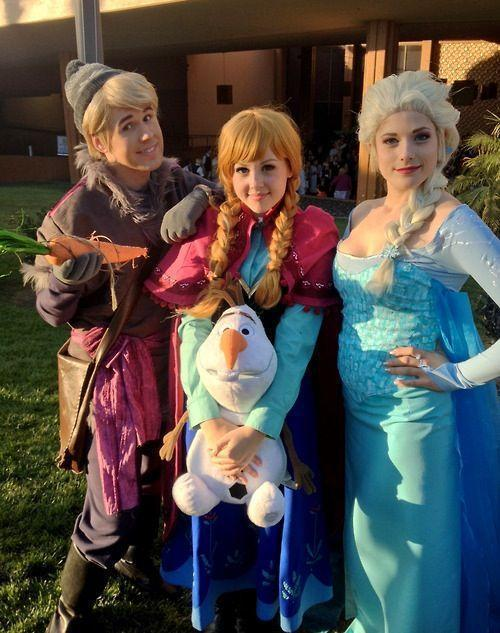 An Adorable Frozen Cosplay