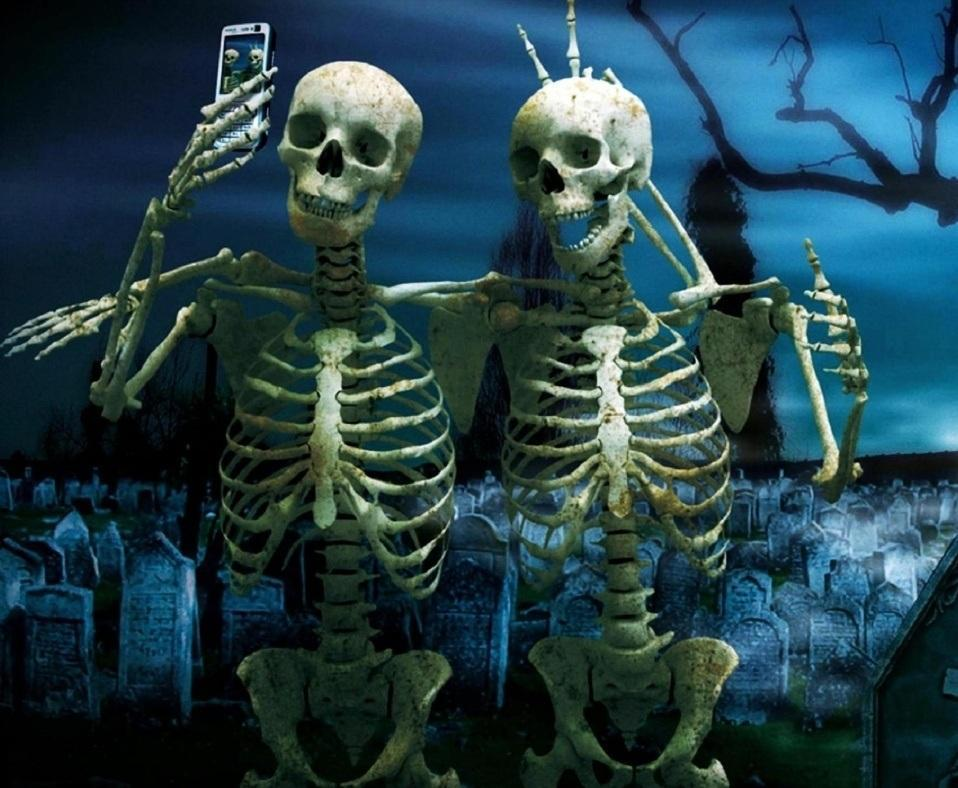 Skeleton Friends