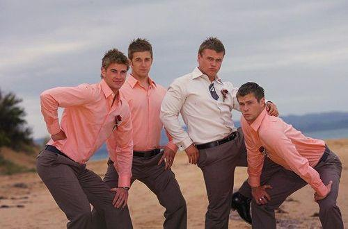Ladies and Gentlemen; The Hemsworths.. enjoy never unseeing this.