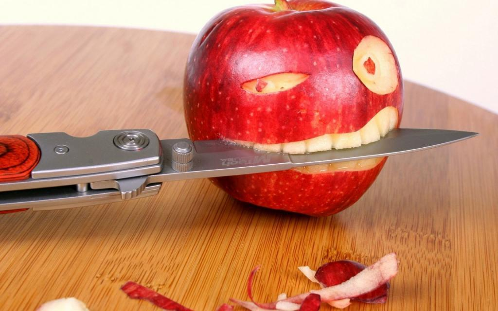 Knife and Apples