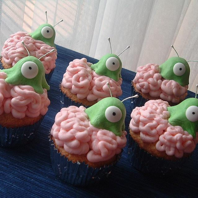 Brain slug cupcakes, have to have a futurama themed party one of these