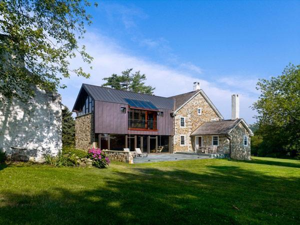 Intriguing Architectural combo House in Pennsylvania, USA