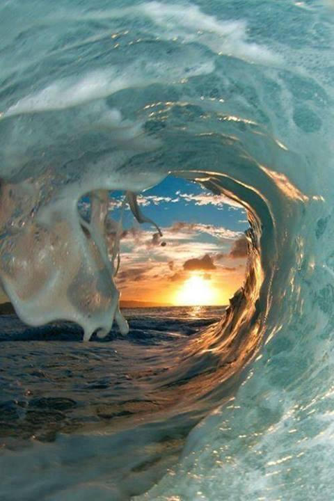 Sunset through the waves... amazing!