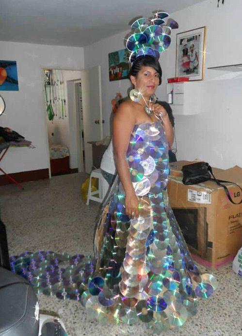 Конкурс платьев из дисков своими руками