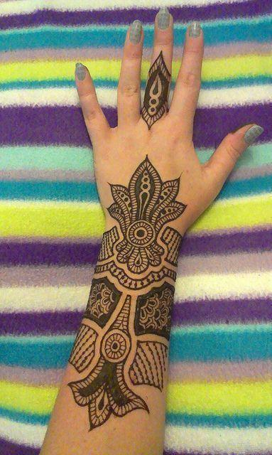 Stunning Mehndi Designs For Arms