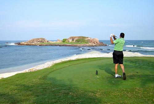 Golf Green Island.