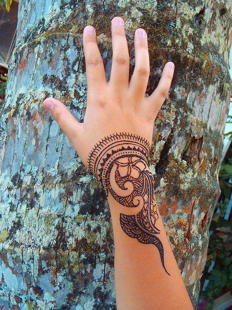 Polynesian style henna by Henna Kauai