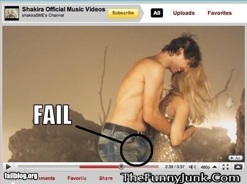 shakira rock it…shakira videoclip fail