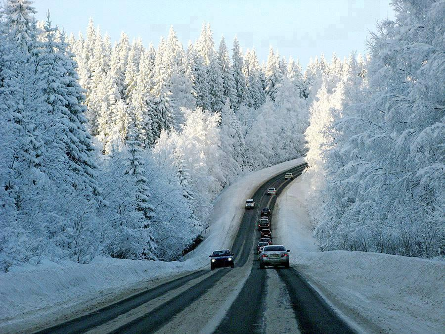4 Amazing Snow Highway Photos