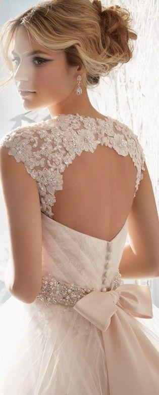 Back of the bridal dress LBV wedding dress