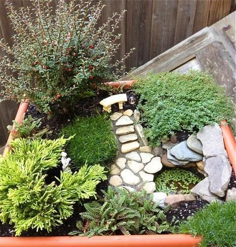 Amazing Mini Garden Design with a Small Water Well