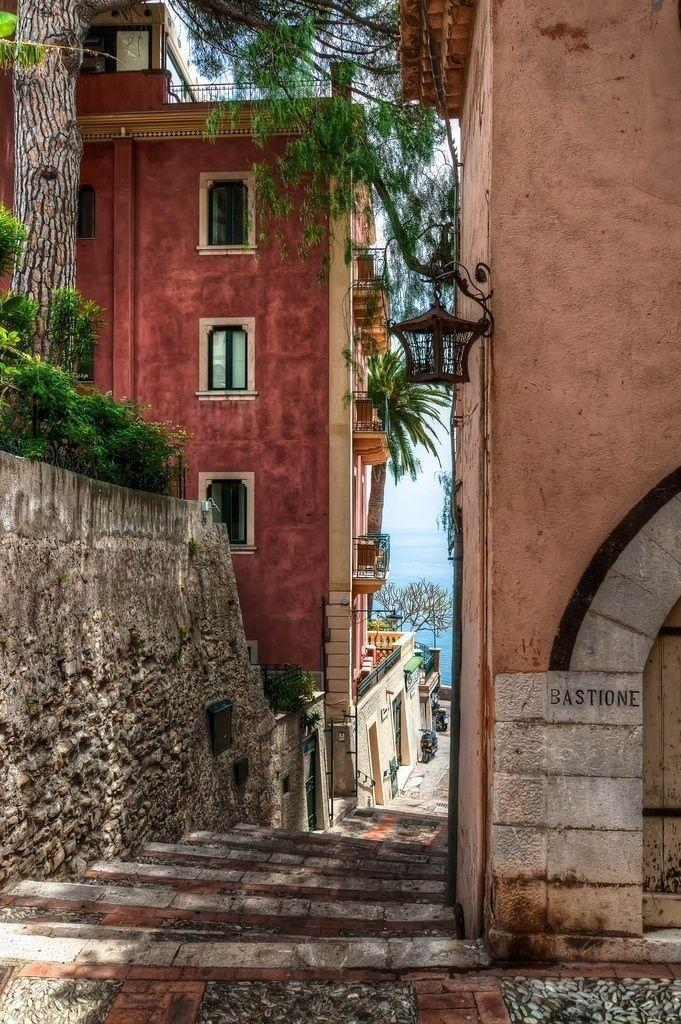 Taormina, Sicily. This was one of my favourite parts of Taormina, gett