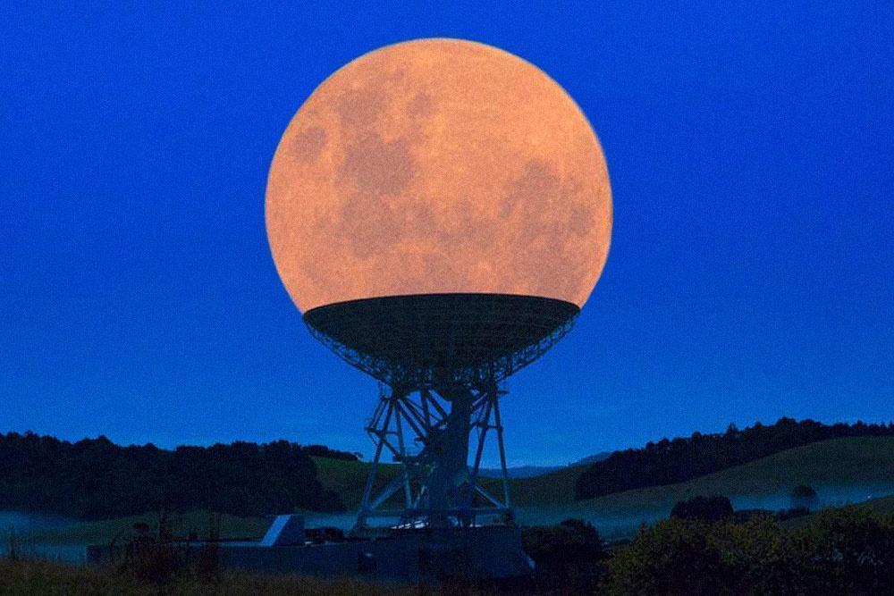 The Supermoon in a Radio Telescope